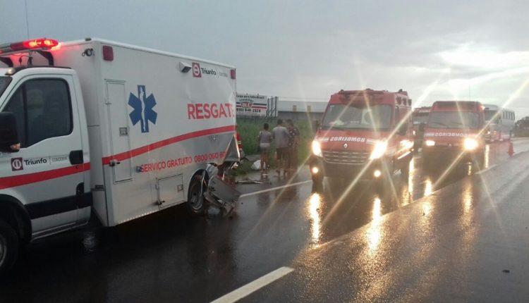 Idosa com suspeita de covid-19 morre após ambulância cair em ribanceira na GO-080