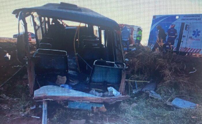 Colisão entre ônibus e micro-ônibus em Chapadão do Sul deixa 4 feridos